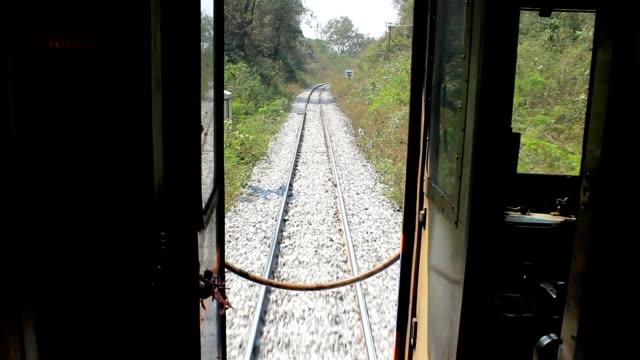 view from back of train - wagon kolejowy filmów i materiałów b-roll