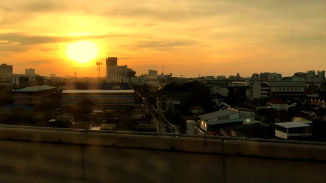 view from elevated train - intercity filmów i materiałów b-roll
