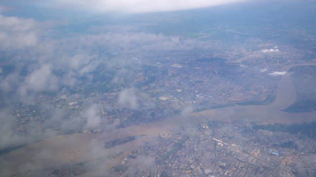 vídeos y material grabado en eventos de stock de vista desde la ventana de avión - río yangtsé