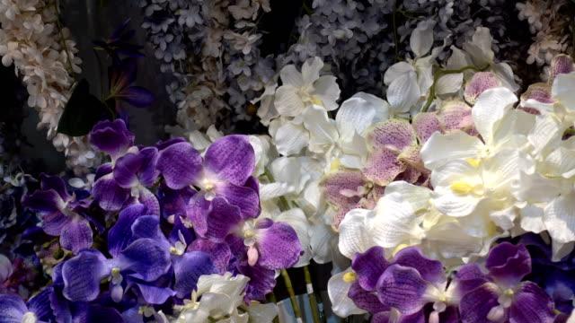 vidéos et rushes de vue 4k d'un bel arrangement floral - composition florale