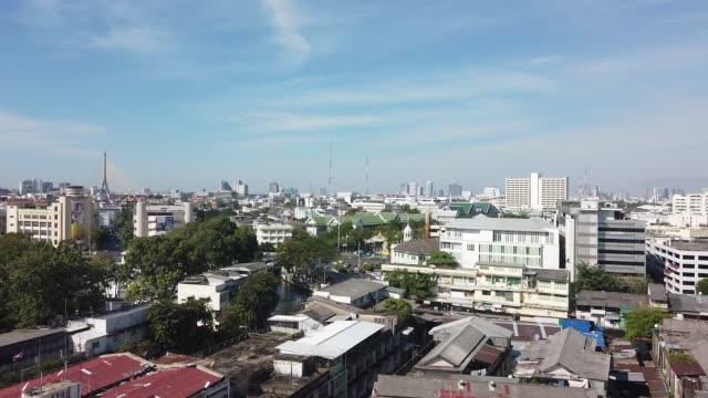 曼谷的景色在 wat sraket rajavaravihara 上的金山 - 東南 個影片檔及 b 捲影像
