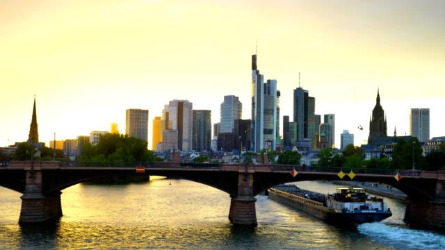 view of downtown frankfurt city skyline - francoforte sul meno video stock e b–roll