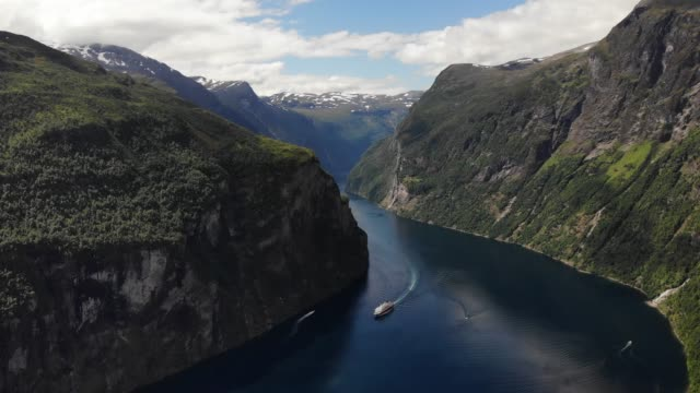 view of fjord geirangerfjord in norway - fiordo video stock e b–roll