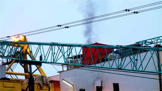 View of pipelayaer crane from platform
