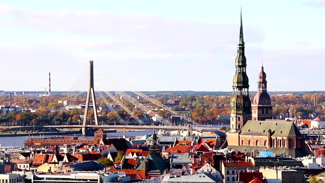 vídeos de stock e filmes b-roll de view of riga from the observation deck of the latvian academy of sciences, riga, latvia - letónia