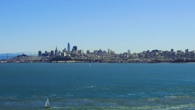 view of san francisco city and pacific ocean - penisola video stock e b–roll