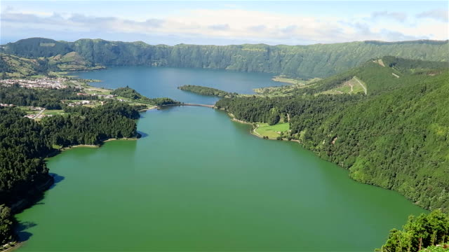 stockvideo's en b-roll-footage met view of sete cidades (caldeira) - são miguel - azores - portugal