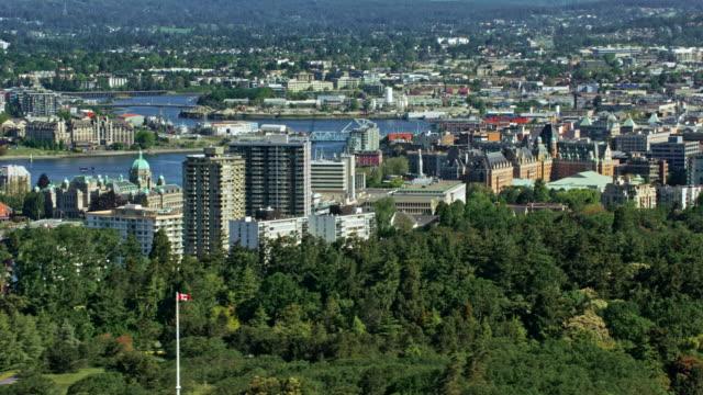 aerial view von victoria, kanada aus dem beacon hill park - britisch kolumbien stock-videos und b-roll-filmmaterial
