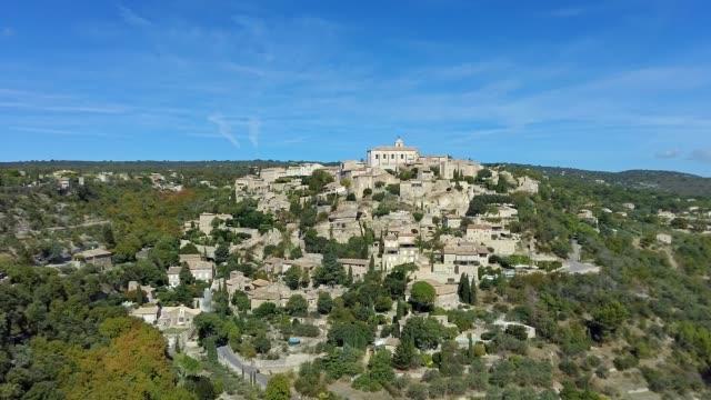 vidéos et rushes de view on gordes, a small typical town in provence, france - aix en provence