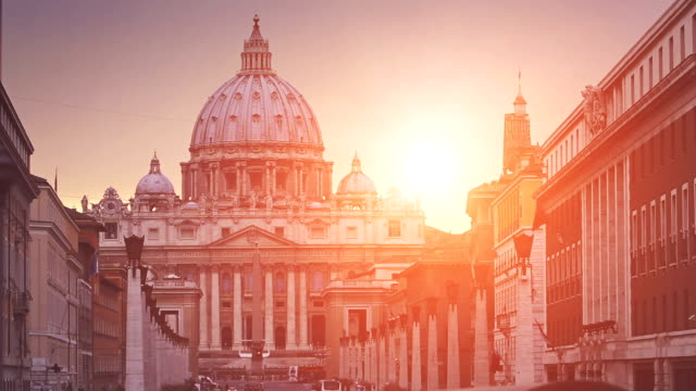 view on via della conciliazione in vatican, rome - peter the apostle bildbanksvideor och videomaterial från bakom kulisserna
