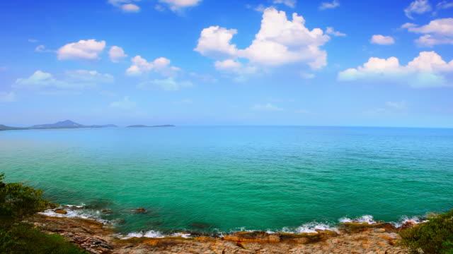 vídeos de stock e filmes b-roll de vista para o mar - linha do horizonte sobre água
