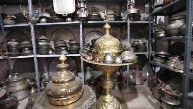 vídeos de stock e filmes b-roll de views from copper shops in talas ali saib pasha street in talas' town kayseri/turkey 05/23/2014 - obras em casa janelas