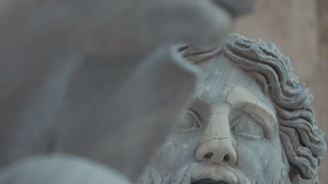 views of the great beauty of rome: sculptures detail on the capitol hill - stile classico romano video stock e b–roll