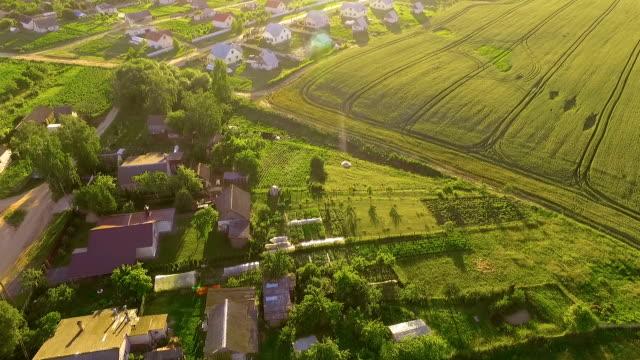 village, luftaufnahme - weißrussland stock-videos und b-roll-filmmaterial