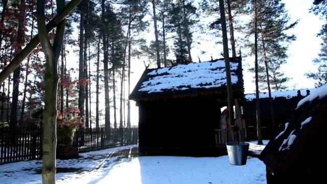 stockvideo's en b-roll-footage met dorp in de winter - christmas cabin