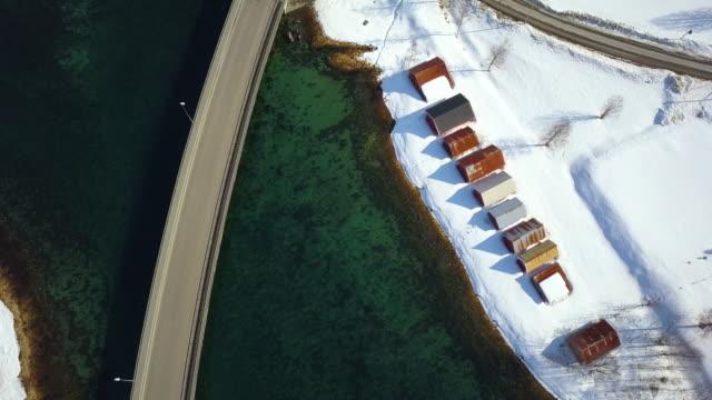vídeos de stock e filmes b-roll de village in the fjords aerial view in norway - países nórdicos