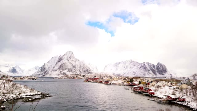 village in the mountains of norway, time-lapse - arcipelago video stock e b–roll