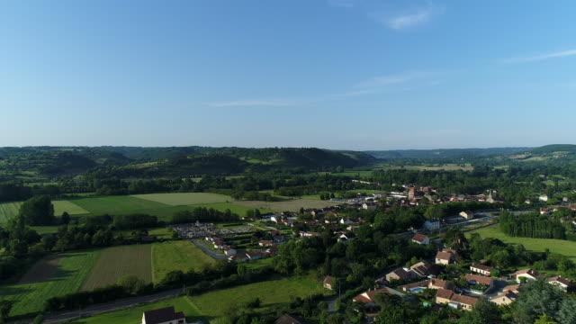 byn siorac-en-périgord i frankrike från himlen - fransk kultur bildbanksvideor och videomaterial från bakom kulisserna