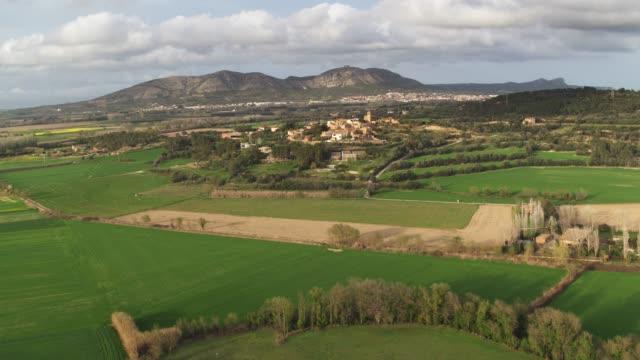 villages of costa brava - paesaggio collinare video stock e b–roll