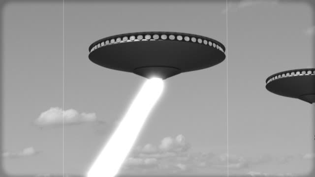 vintage alien invasion: ufos skjuter ner till jorden - rymdvarelse bildbanksvideor och videomaterial från bakom kulisserna
