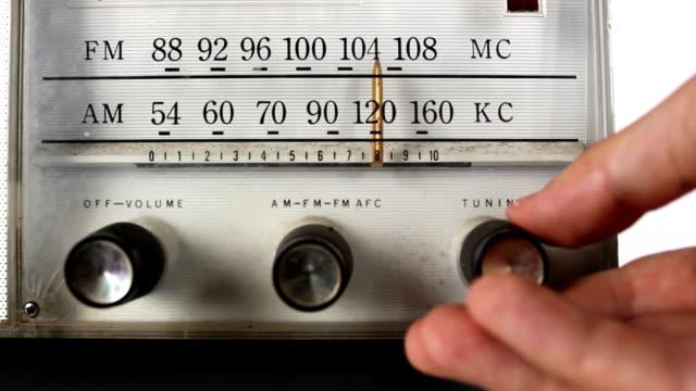 vintage radio dial tunning video