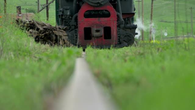 vintage locomotiva a vapore arrivando - stile del xix secolo video stock e b–roll