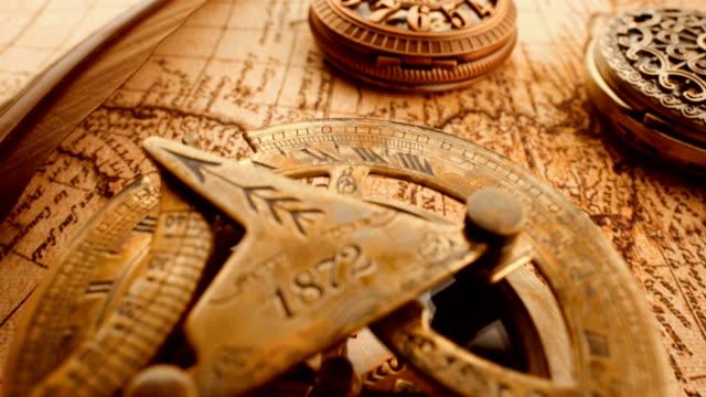 1565 年に古い地図のヴィンテージのまだ生命。 - 骨董品点の映像素材/bロール