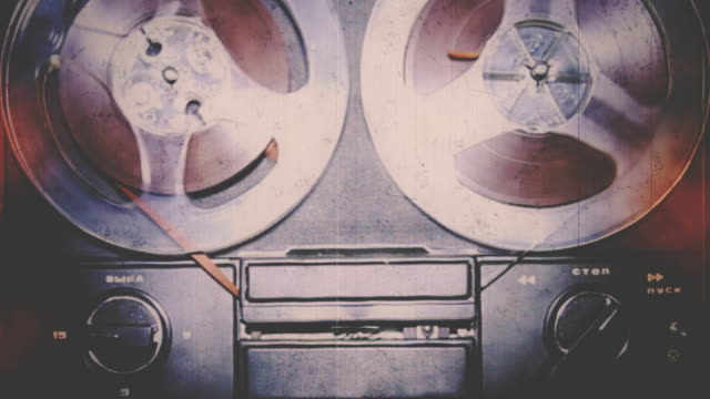 vintage registratore riproduzione - bobina apparecchiatura di registrazione del suono video stock e b–roll