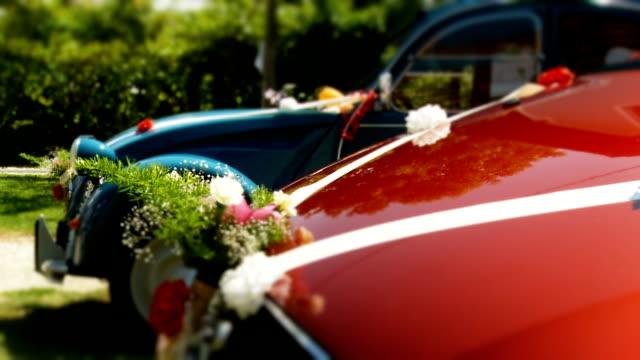 hd: vintage wedding cars - süslü püslü stok videoları ve detay görüntü çekimi