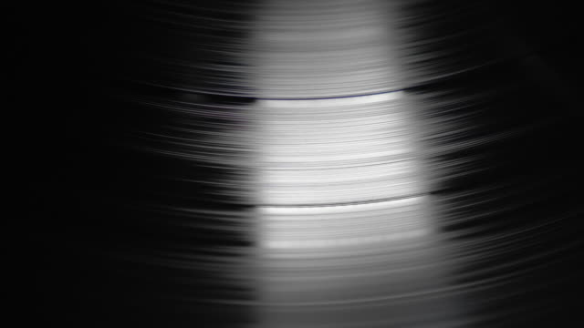 vídeos y material grabado en eventos de stock de disco de vinilo player - disco audio analógico