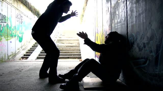 HD: La violencia contra los sin techo - vídeo