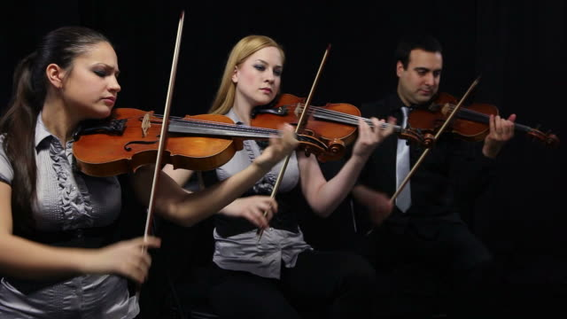 violin players video