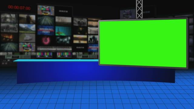 studio di broadcasting virtuale con greenscreen - studio camera video stock e b–roll