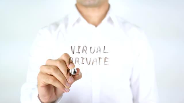 virtuella privata nätverk, man skriver på glas - vpn bildbanksvideor och videomaterial från bakom kulisserna