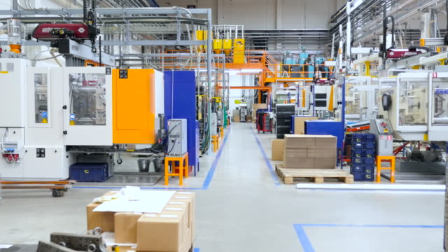 Visit in production line - plastic injection molding