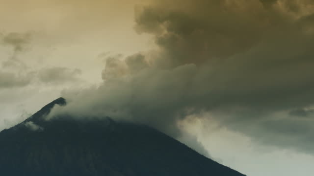 Volcano Agung in Bali in eruption mode with ash video