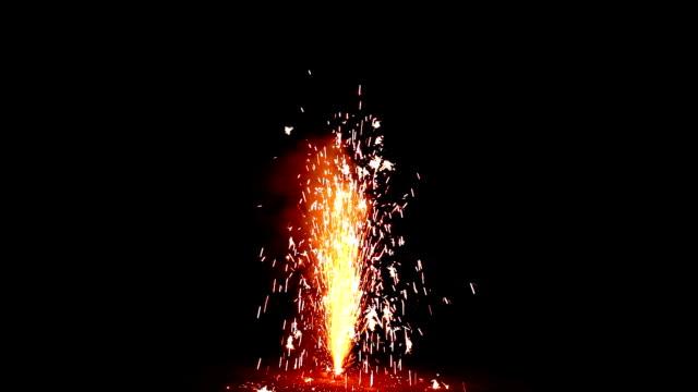볼케이노 불꽃놀이 - 10초 이상 스톡 비디오 및 b-롤 화면