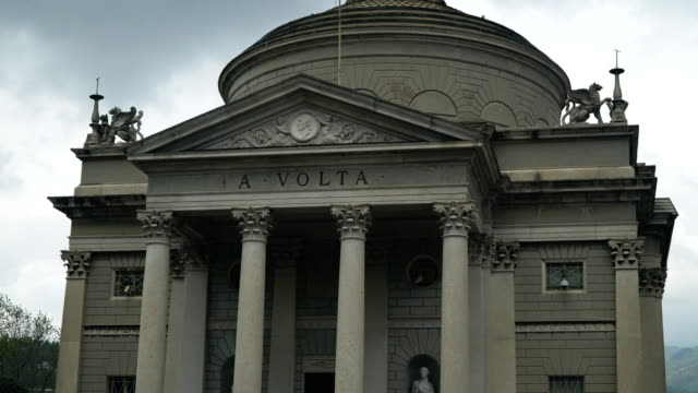 volta temple museum in como, italy. tempio voltiano. - neoclassical architecture stock videos & royalty-free footage