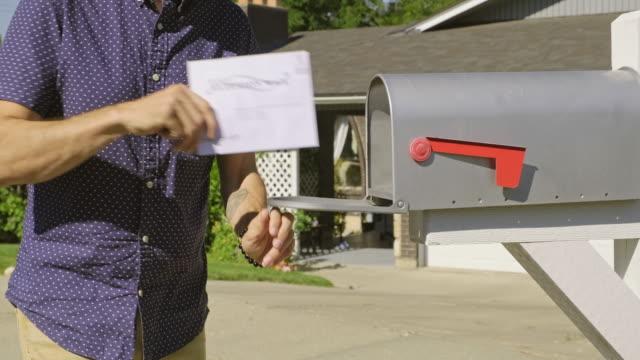 vídeos de stock, filmes e b-roll de votação pelo correio - e mail