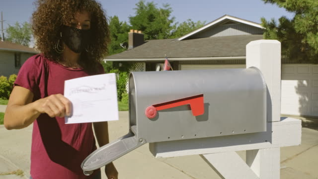 vídeos y material grabado en eventos de stock de votación por correo - election