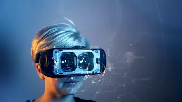 vídeos de stock, filmes e b-roll de conceito de óculos vr - realidade virtual