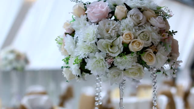 Waiting for bride-flower decoration video