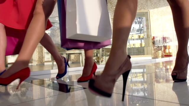 Walking in the mall video