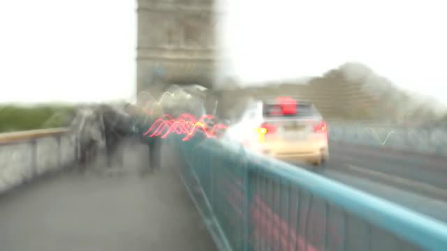 HD TIME LAPSE: Walking On The Tower Bridge video