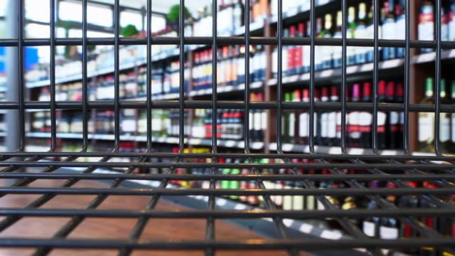 HD-Walking mit den Einkaufswagen – Video