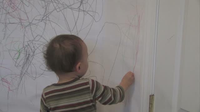 stockvideo's en b-roll-footage met wall drawing 2 - multi-format progressive - wall