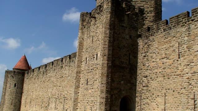 wall - 성 건축물 스톡 비디오 및 b-롤 화면