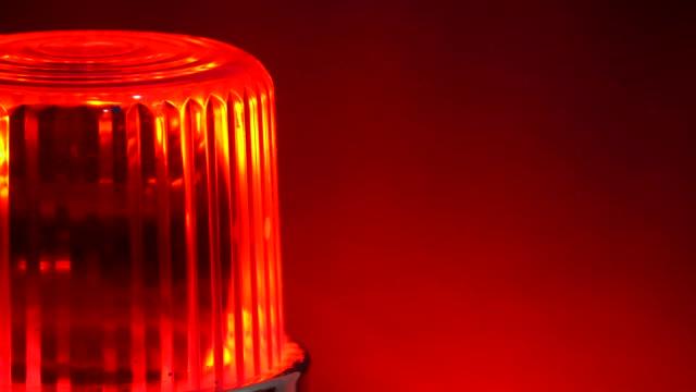 vidéos et rushes de avertissement tournant sirène rouge clignotant lumières clignotantes - danger