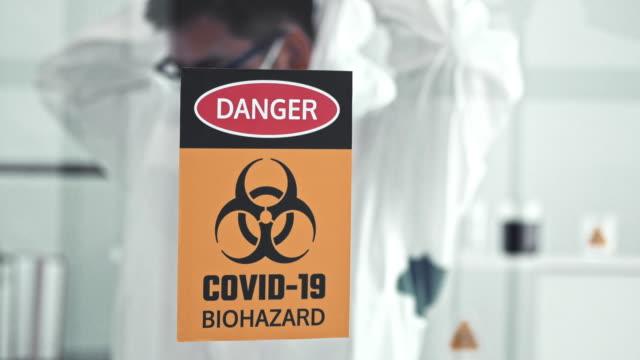 stockvideo's en b-roll-footage met waarschuwingsbord - waarschuwingssignaal