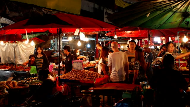 Warorot night market in Chiang Mai Thailand. video